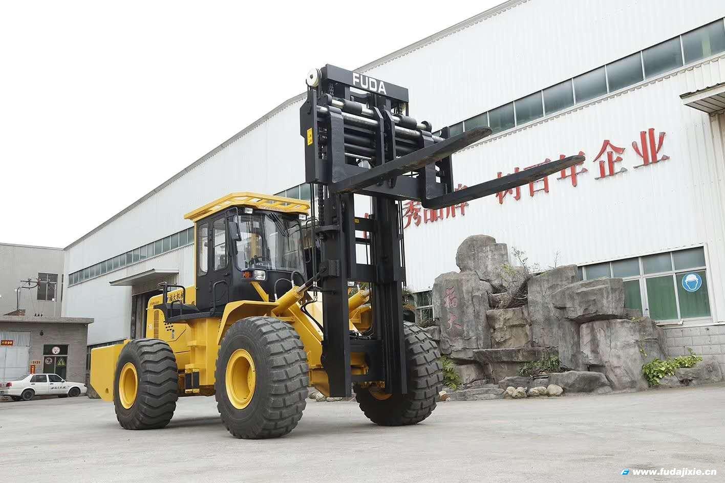 20吨越野叉车FDM8200T